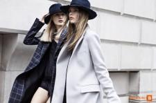 Показ женской одежды в магазине Zara