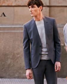 Показ мужской одежды в магазине Zara