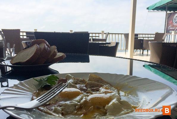 завтрак на терассе